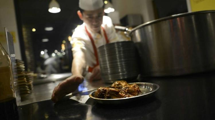 Sở thích ăn đầu thỏ kỳ quái của người Tứ Xuyên, Trung Quốc