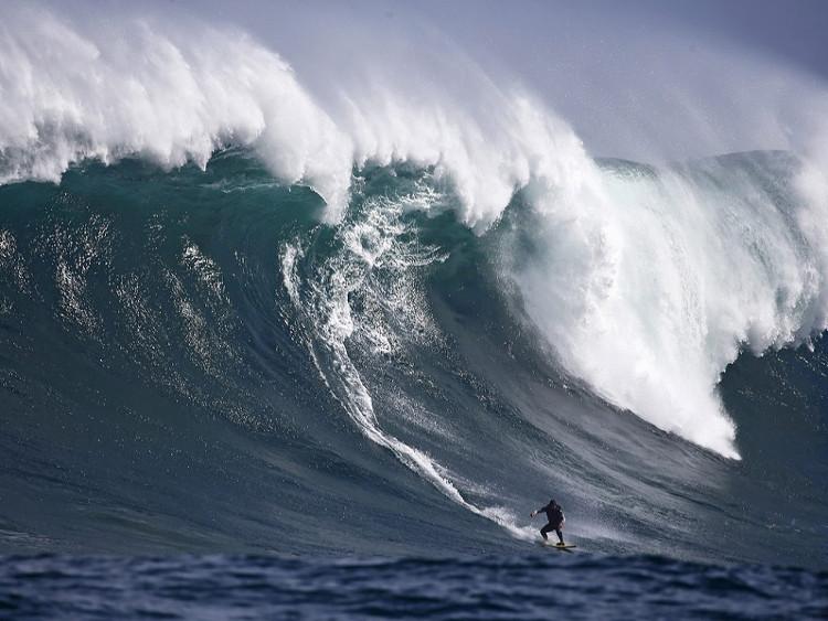 Sóng cao nhất thế giới, hơn nhà 6 tầng ở Đại Tây Dương