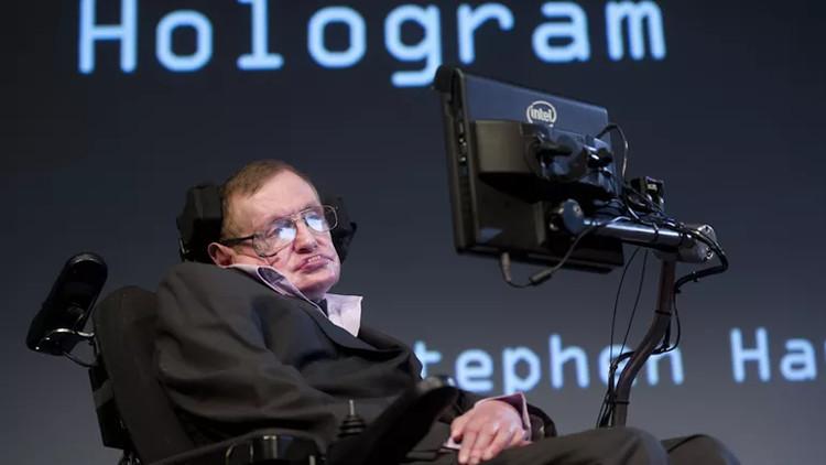 Stephen Hawking bị tố hoang đường vì khuyên loài người rời Trái Đất