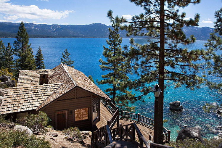Tahoe – hồ nước hai triệu năm tuổi ở Mỹ