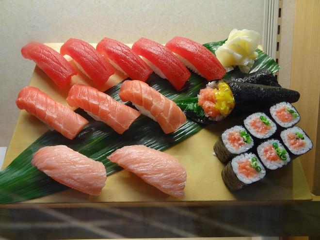 Tại sao Nhật phải mất cả thập kỷ để đào tạo ra một đầu bếp sushi chuyên nghiệp?