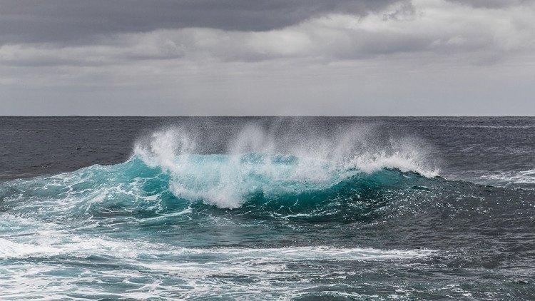 Tại sao nước biển lại mặn?
