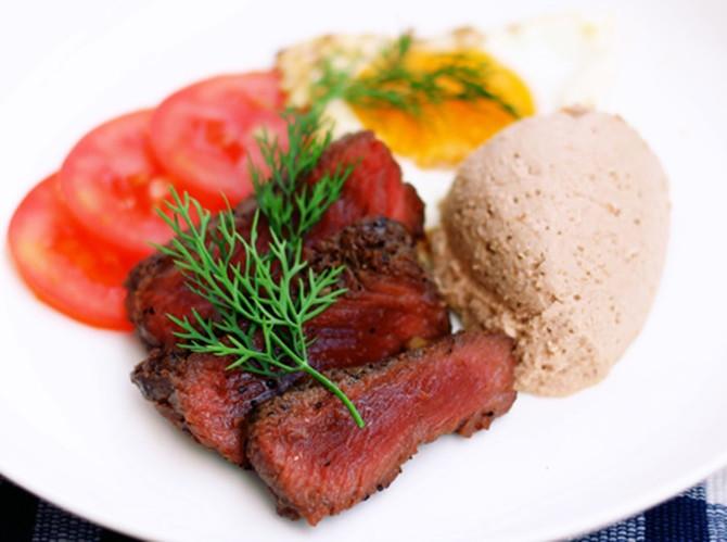 Tại sao thịt đà điểu có màu đỏ?