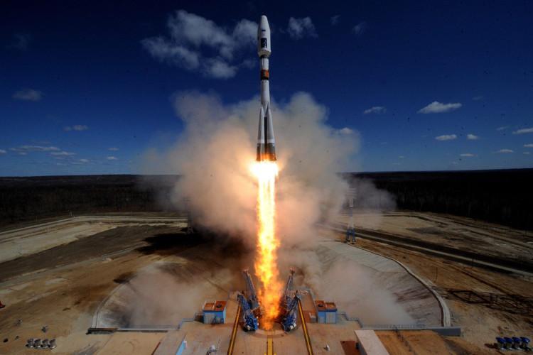 Tập đoàn Vũ trụ Quốc gia Nga phóng 73 vệ tinh lên 3 quỹ đạo
