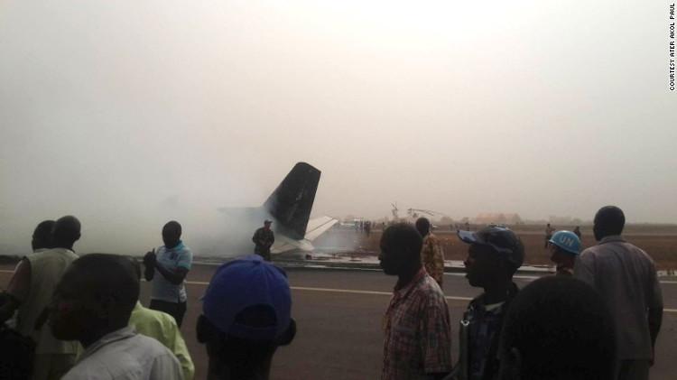 Tất cả hành khách sống sót thần kỳ trong tai nạn máy bay ở Nam Sudan