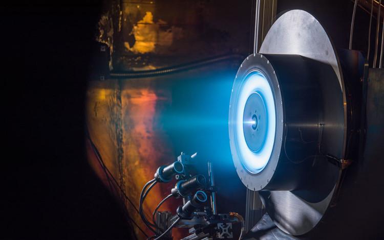 Tên lửa plasma là gì và tại sao với nó ta có thể du hành liên hành tinh?