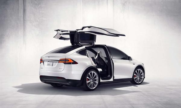 Tesla Model X chính thức ra mắt xe SUV chạy điện