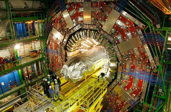 Tham quan cỗ máy lớn nhất lịch sử nhân loại