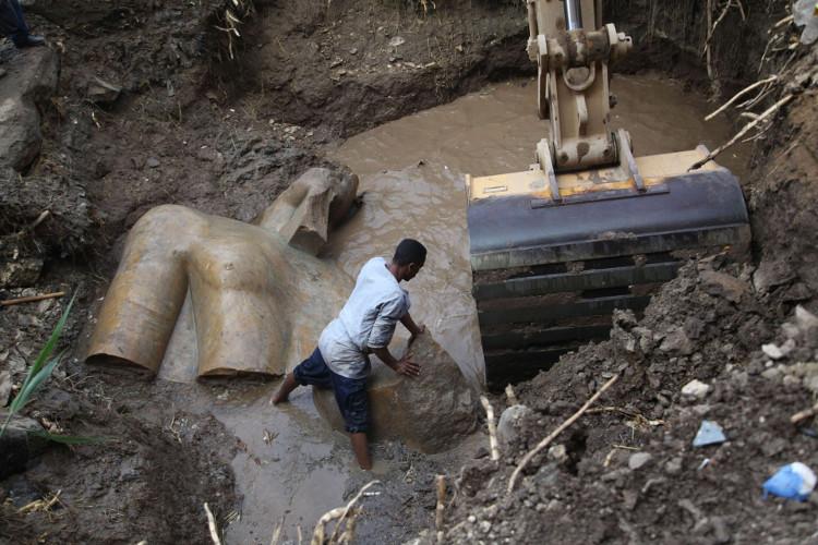 Thân thế thực sự của tượng Pharaoh 3.000 năm vừa khai quật