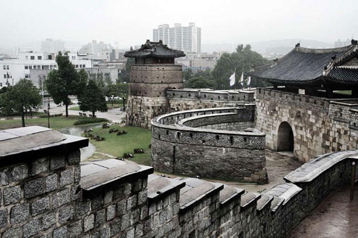 Thành cổ Hwaseong ở Suwon