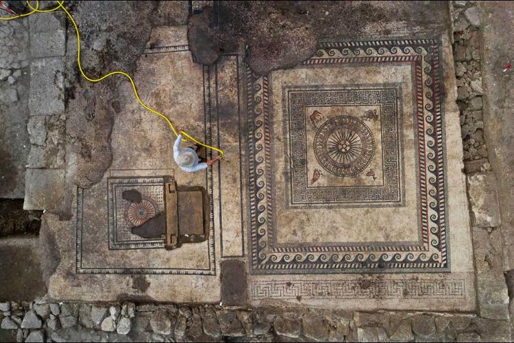 Thành phố La Mã 2.000 năm bên dưới công trường xây dựng