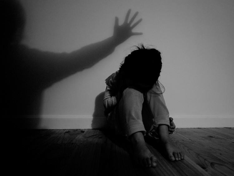 Thói quen nghiện bài bạc có thể bắt nguồn từ một tuổi thơ bất hạnh