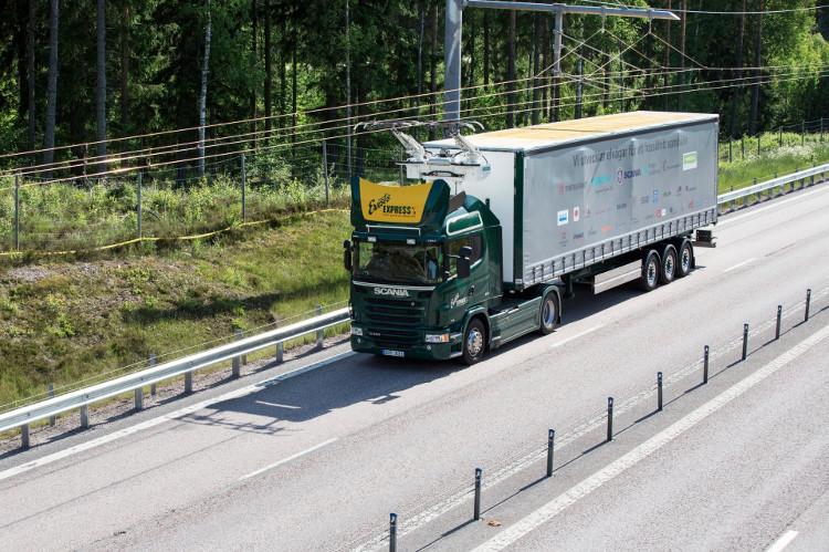 Thụy Điển khai trương tuyến đường cao tốc chạy điện đầu tiên trên thế giới