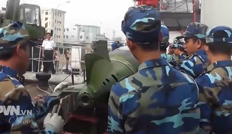 """Tiến bộ vượt bậc: Việt Nam chế tạo được """"não"""" ngư lôi"""