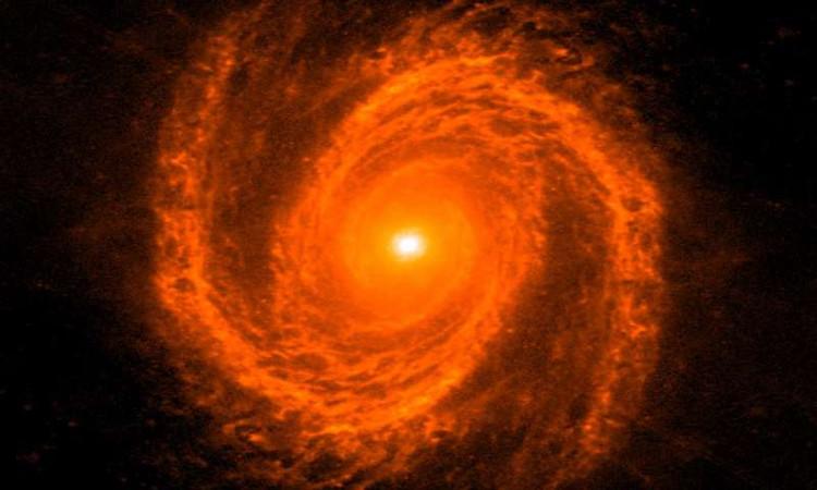Tìmra cách cân khối lượng lỗ đen: dùng các nhánh xoắn ốc của thiên hà
