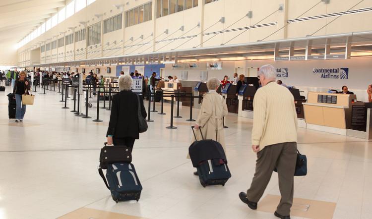 Tìm ra nguyên nhân vì sao vali hành lý hay bị lệch hướng