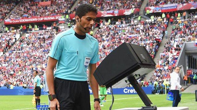 Toàn cảnh về công nghệ VAR được áp dụng ở World Cup 2018