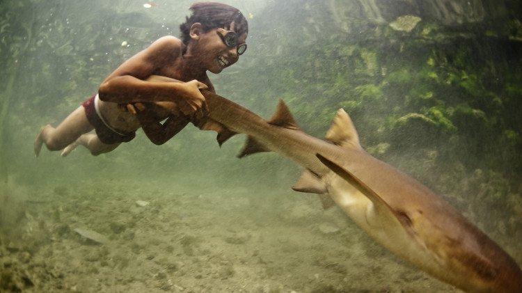Tộc người đầu tiên tiến hóa để lặn sâu 70 mét