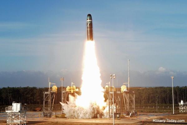 Top 10 tên lửa liên lục địa đáng sợ nhất thế giới
