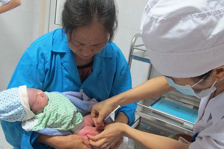 Trẻ không tiêm vắc xin viêm gan B, lớn có nguy cơ bị xơ gan