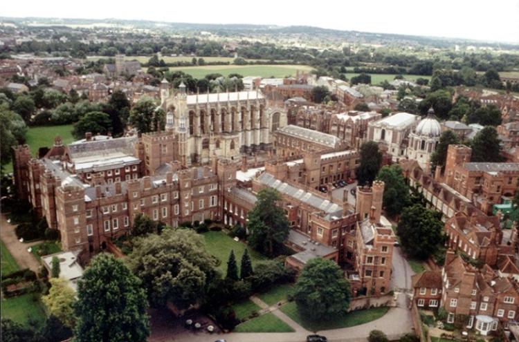 Trường cho giới quý tộc Anh: Sướng như tiên nhưng khổ thì còn hơn cả trường bình dân