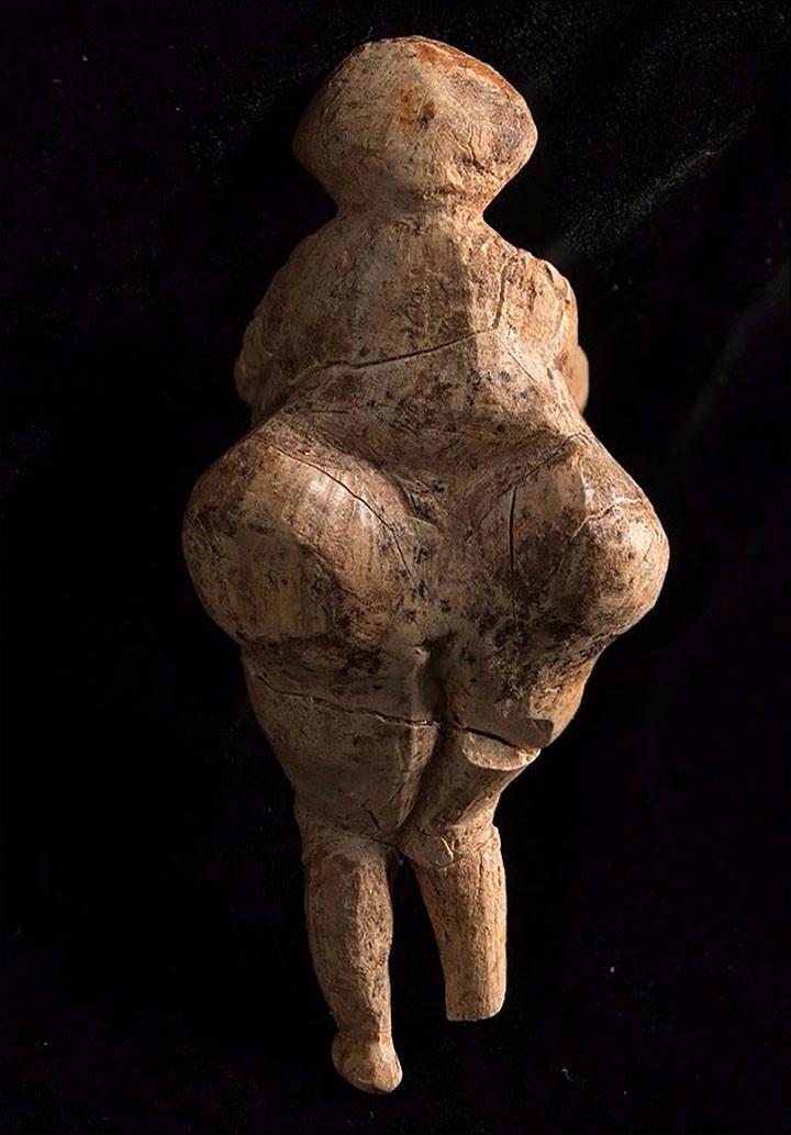 Tượng thần tình yêu 23.000 năm tuổi có vẻ đẹp mỹ nhân