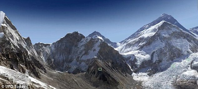 UFO đột nhiên xuất hiện ở núi Everest khiến khoa học đau đầu tìm hiểu