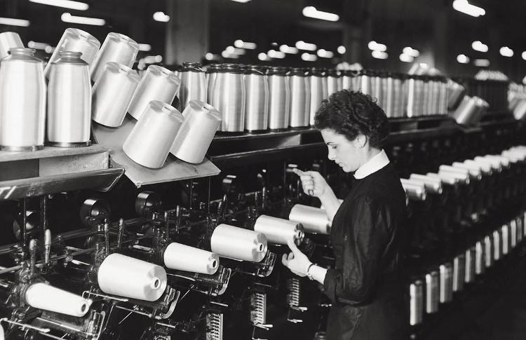 Vải sữa - chất liệu bị lãng quên gần 70 năm đang tái sinh