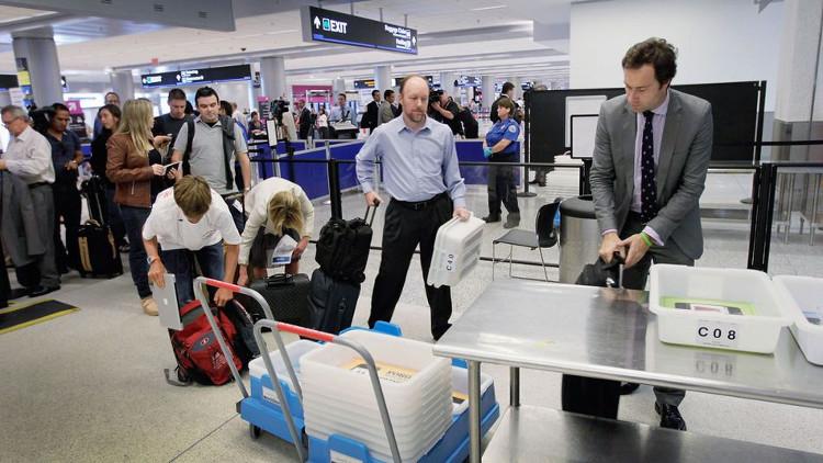 Vì sao khủng bố có thể mang bom ngụy trang thành laptop qua sân bay mà không bị phát hiện?