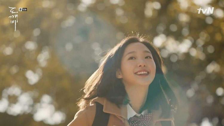 Vì sao những người hay cười với người khác lại luôn xinh đẹp hơn?
