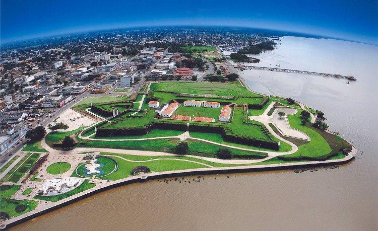 Vì sao sông Amazon dài hơn 6.000km không có cầu bắc ngang?