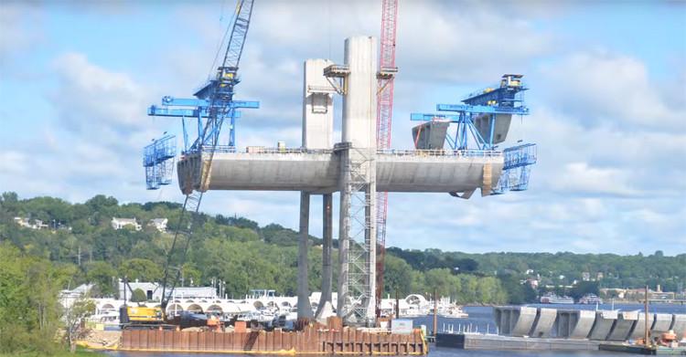 Video: Cách xây cầu từ dưới lòng sông của người Mỹ