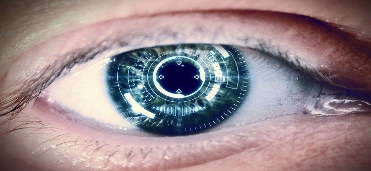 Video: Kính áp tròng biến mắt người thành máy quay phim