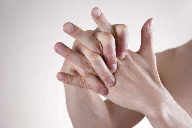 Video: Lý giải âm thanh khi bẻ khớp đốt ngón tay