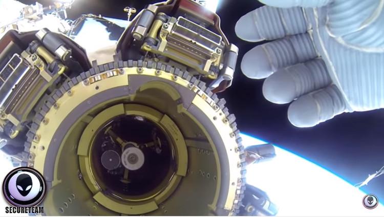 Video: Phi hành gia bị tố dùng tay che UFO phát sáng gần trạm ISS