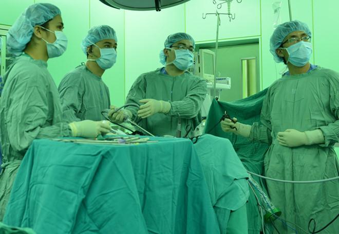 Việt Nam áp dụng kỹ thuật mới điều trị thành công ung thư trực tràng