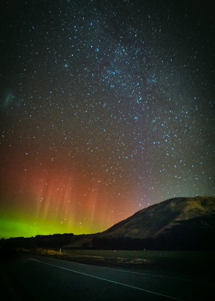 Vũ điệu cực quang lộng lẫy đêm New Zealand