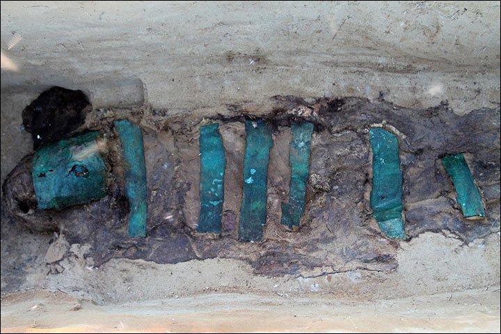 Xác ướp 1.300 năm tuổi trong kén vải tại Siberia