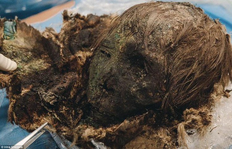 Xác ướp công chúa gần 1000 tuổi vẫn còn nguyên tóc, lông mi dài cong vút
