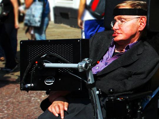 10 câu hỏi khó dành cho Hawking