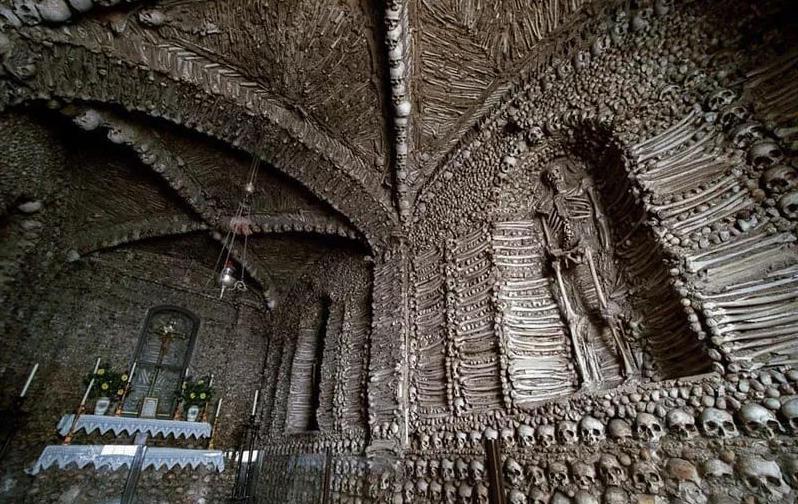 15 bức ảnh kinh hoàng về những bộ xương trên thế giới