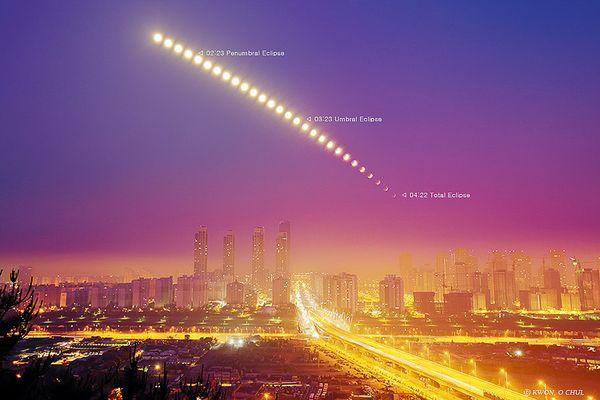 Ảnh vũ trụ: Siêu bão trên sao Thổ