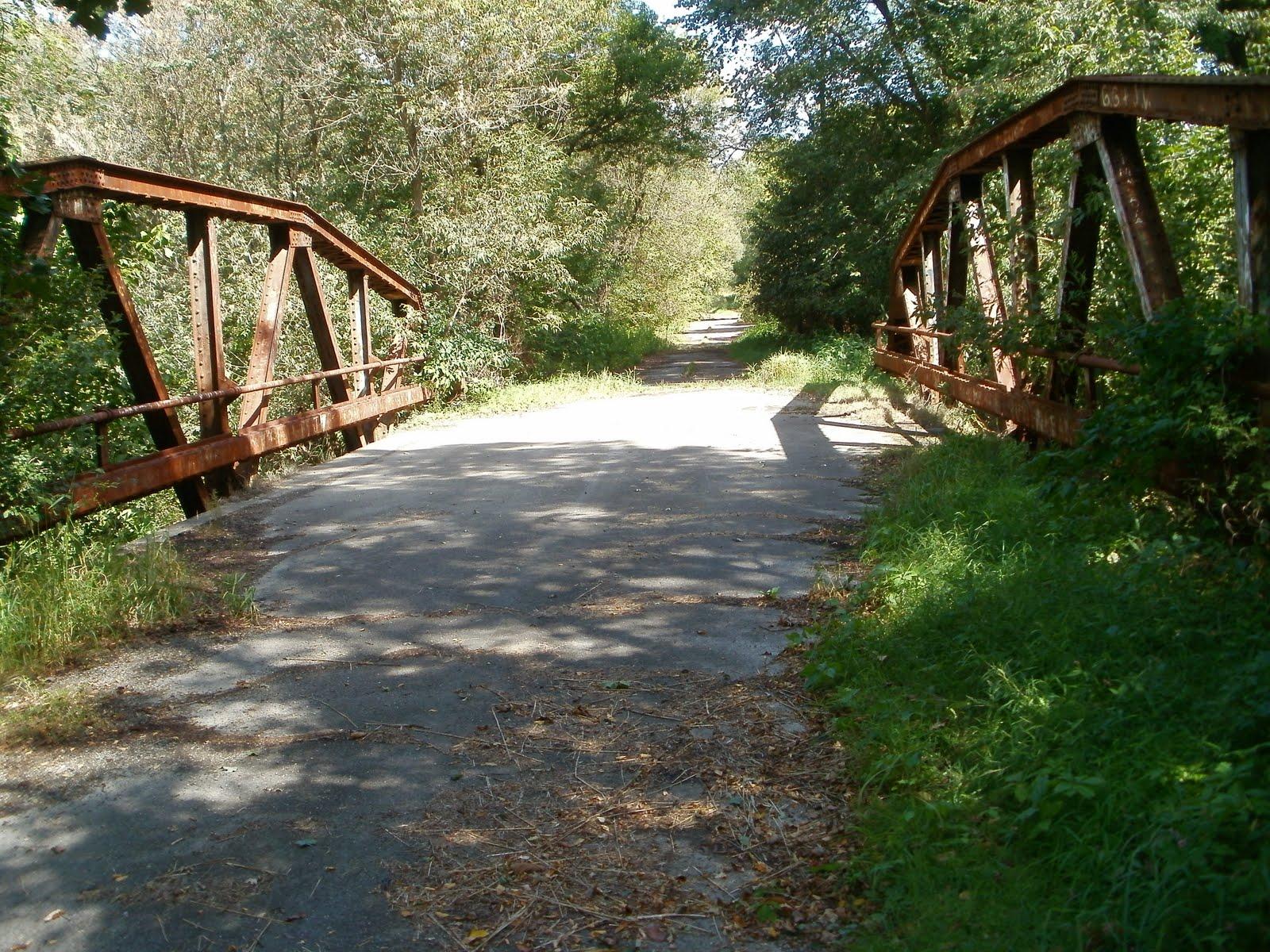 Bạn có dám đi qua 10 cây cầu được cho là bị ma ám này không?