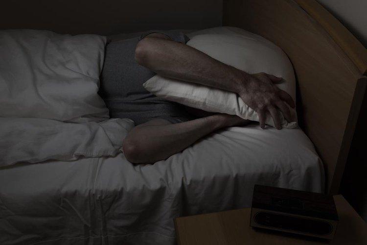 Bạn sẽ đẩy lùi nguy cơ ung thư từ trong giấc ngủ nếu tắt hết đèn trước khi lên giường
