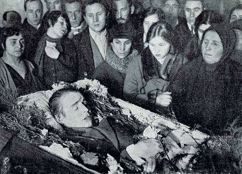 Bí ẩn cái chết của nhà thơ Nga Sergei Esenin