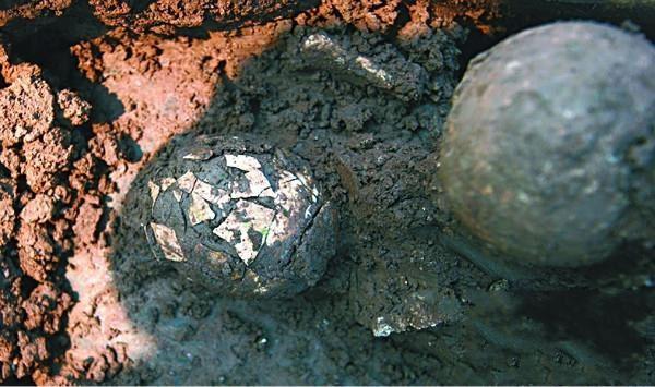 Bí ẩn quả trứng gà 2.000 năm tuổi chôn trong ngôi mộ cổ