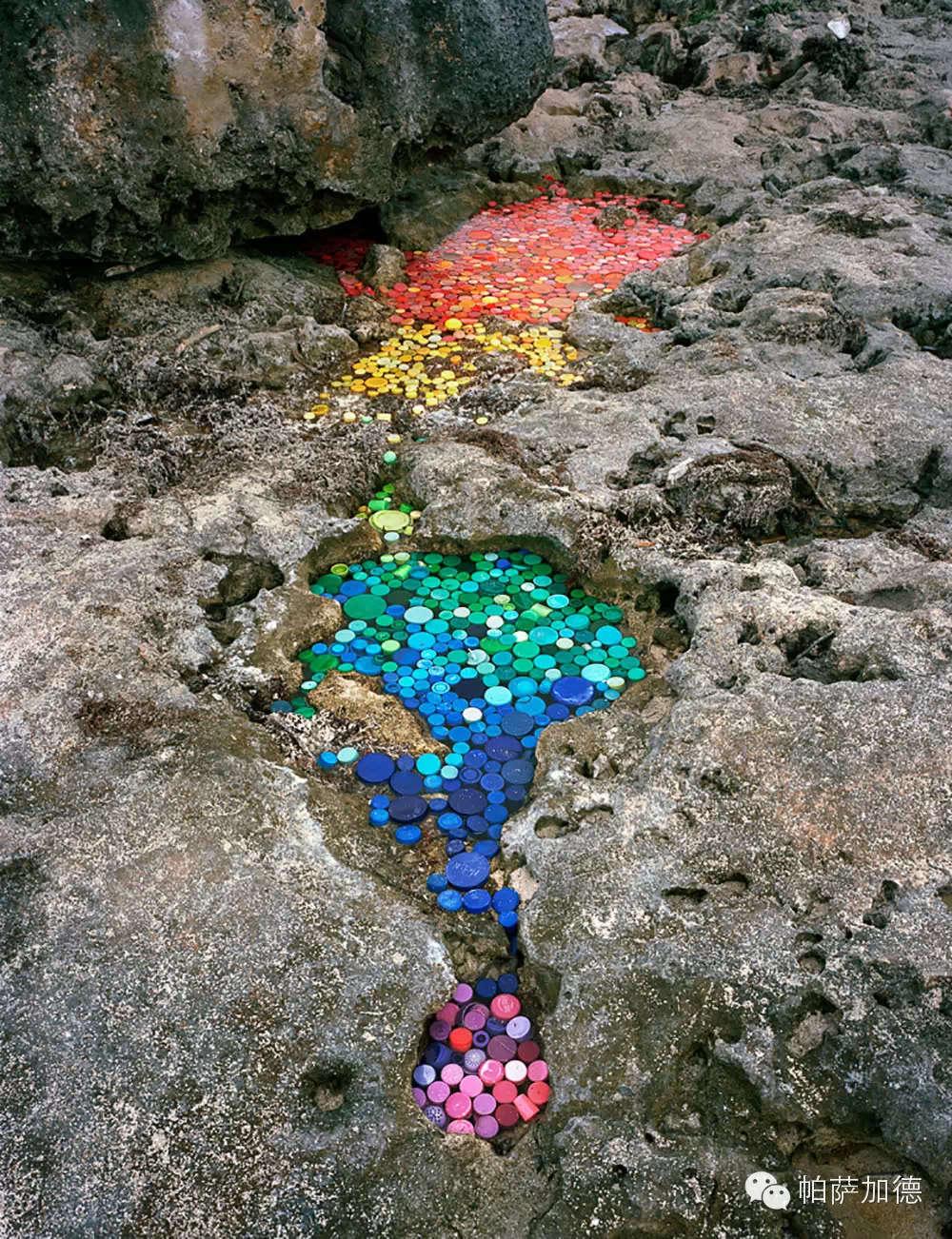 Bộ ảnh Trái Đất ngập rác thức tỉnh triệu trái tim