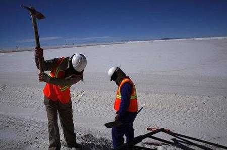 Cánh đồng muối lớn nhất thế giới trên cao 4.000m