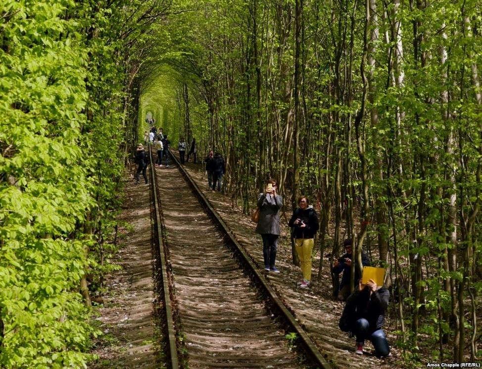 Câu chuyện thú vị về đường hầm Tình yêu ở Ukraine