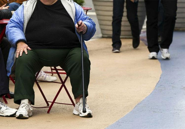 Câu chuyện về anh chàng sống khỏe dù nhịn ăn tới 382 ngày